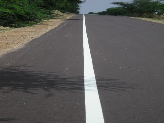 Thermoplastic Road Marking Paint showing Shoulder Line